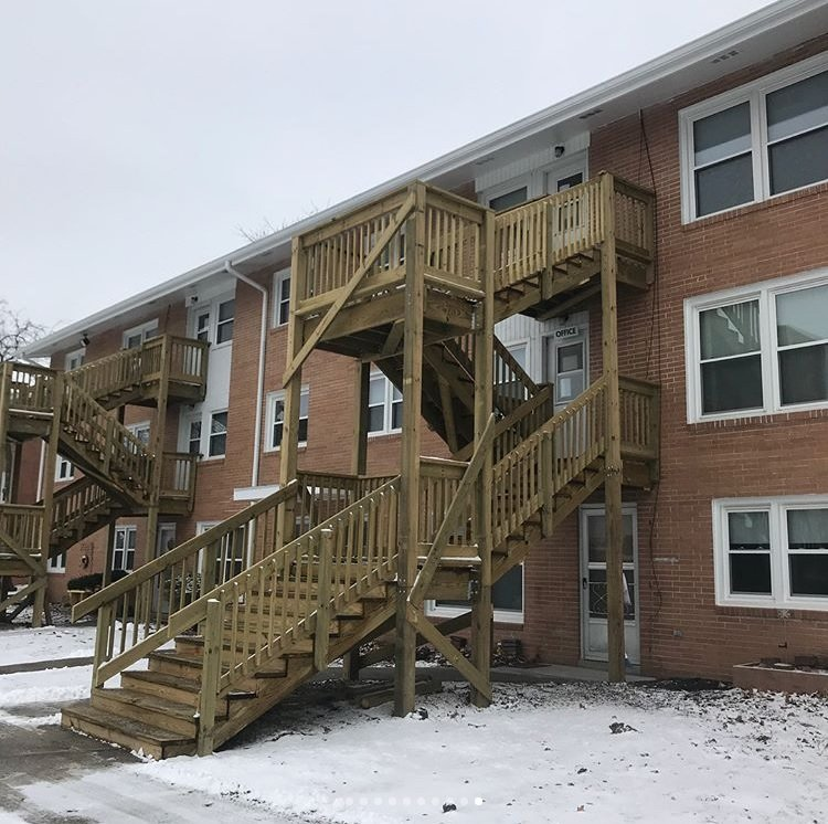 Olde Town Group Apartment Deck